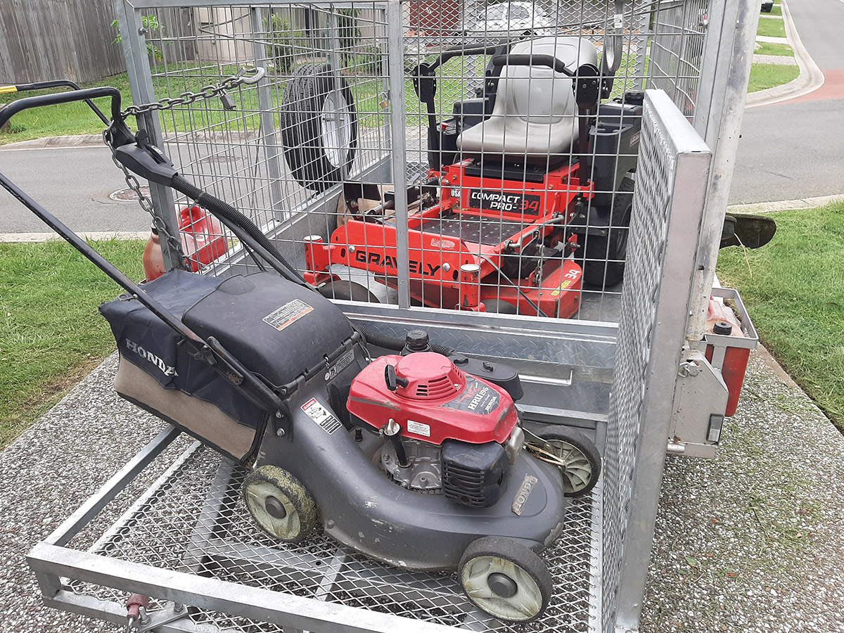 Independent Lawnmowing Contractors Of Australia Freecall 1800501662 Www Indmowing Com Au